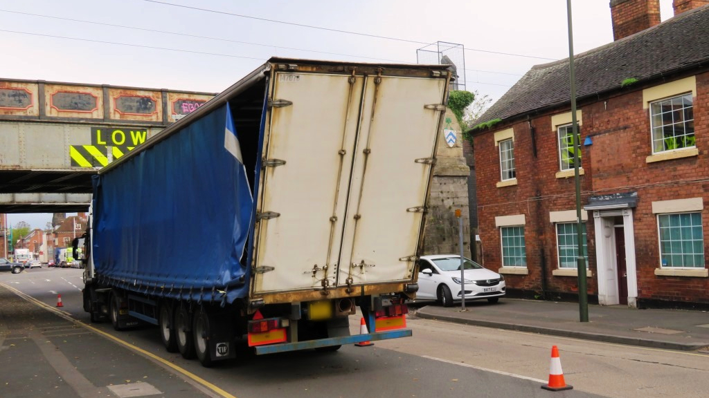 Lorry drivers urged to follow correct A5 diversions to avoid Britain's most bashed railway bridge